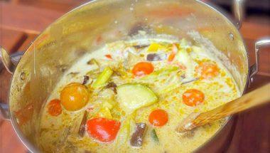 1月18日(水)限定 『7種の野菜のグリーンカレー』 販売