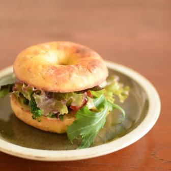 カレー風味のピーナッツ味噌ソース 野菜だけサンドウィッチ    ベーグルレシピ 画像2