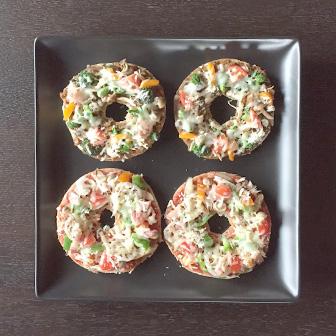 具だくさんのベーグルピザ 画像2