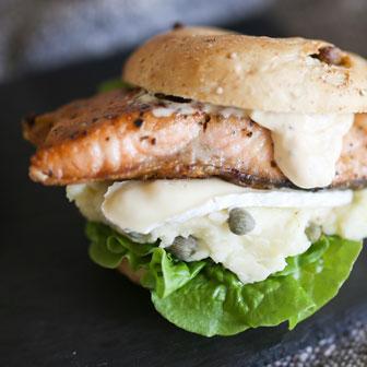 鮭のムニエルとカマンベールチーズのタルタルソース添え 画像2