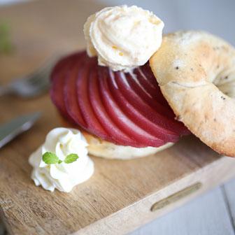 リンゴのコンポートのバニラ添え  |  ベーグルレシピ 画像1