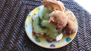キウイ&メロンのヨーグルトサンドウィッチ