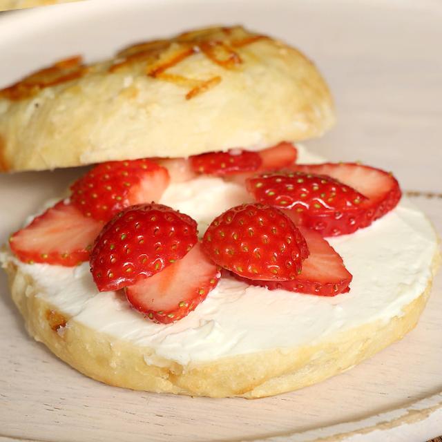 いちごとクリームチーズのおやつサンドウィッチ 画像1